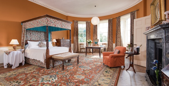 Bedroom 3: A very spacious en-suite room with king size four poster bed and bay window with views down the Lime Avenue